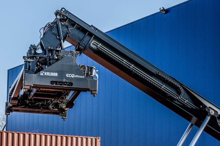 Kalmar to develop fully electric reachstackers and heavy duty forklifts