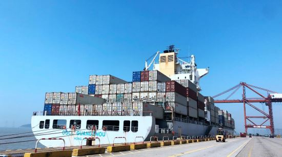 OOCL calls at DaChan Bay Terminals on its KTX3 service