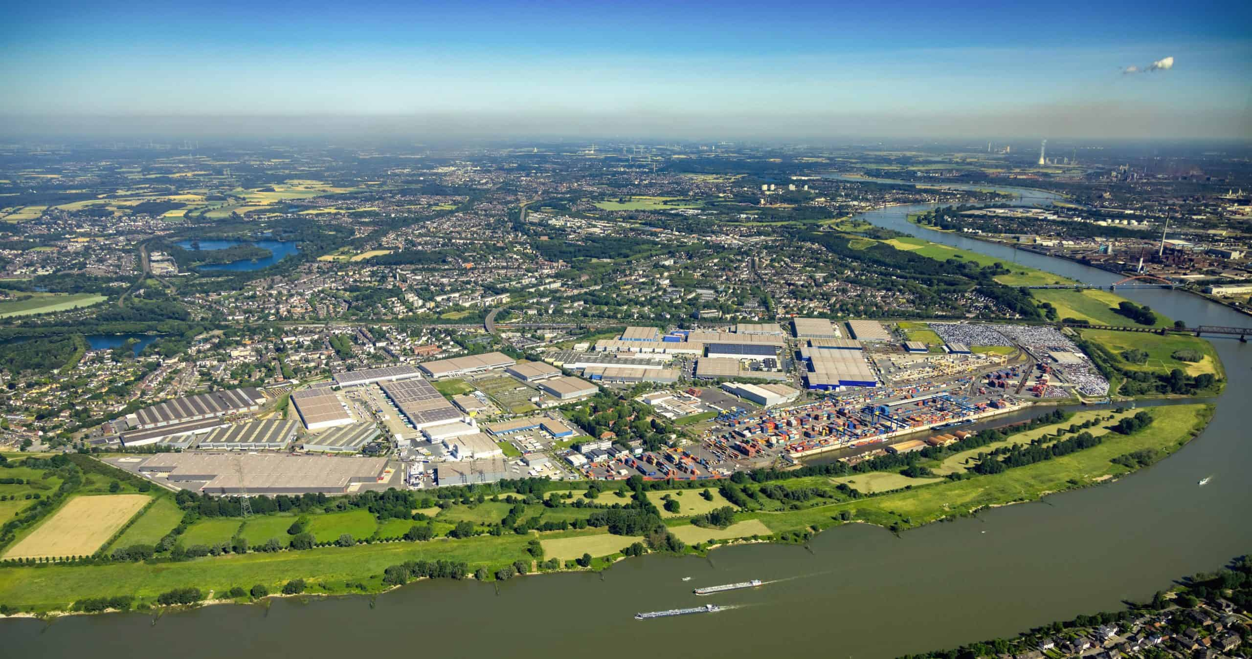 Port of Duisburg sees slight drop in container volumes