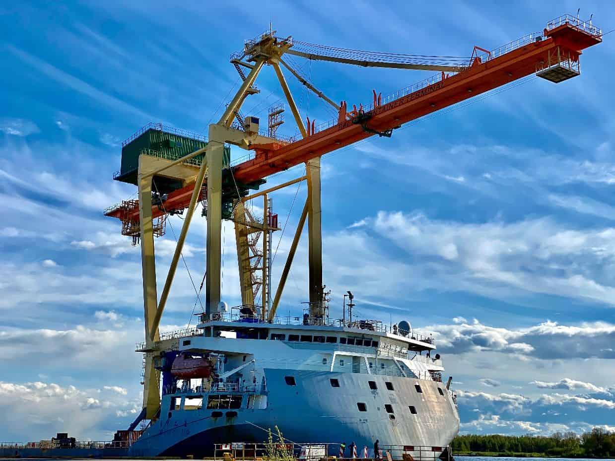 BCT acquires new STS crane