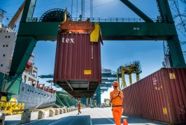 Port of Antwerp shows resilience against slump in container volumes