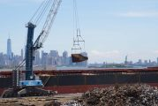 Liebherr MHC used in flexible barge solution at the Harbour of New York