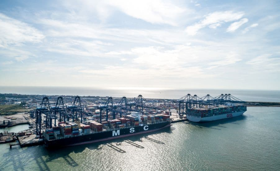 Retailers and food manufacturers call for inquiry into UK port disruption