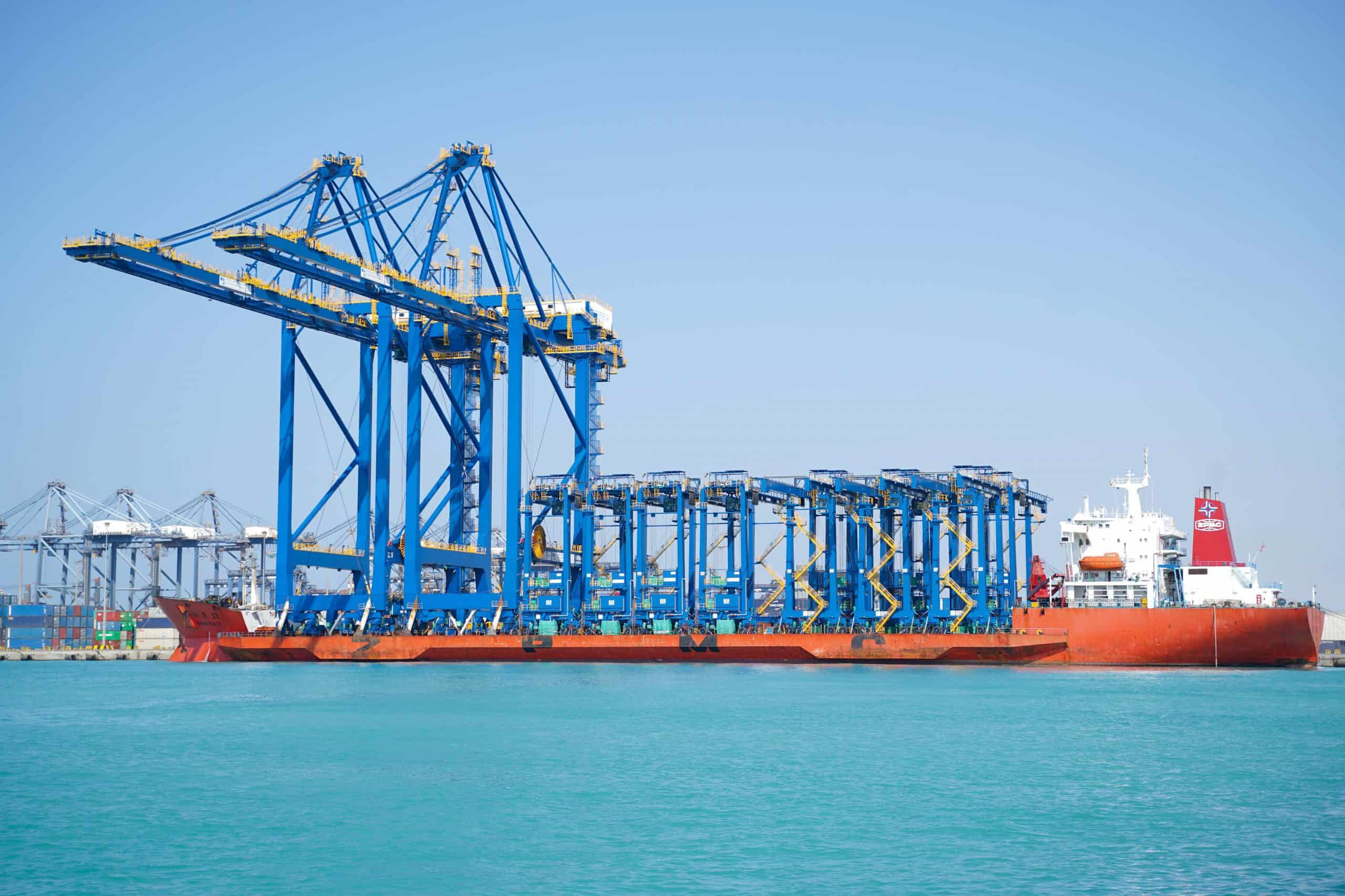 Red Sea Gateway Terminal receives two STS cranes and ten hybrid RTGs
