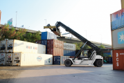 Konecranes adds new reachstacker model to Liftace range