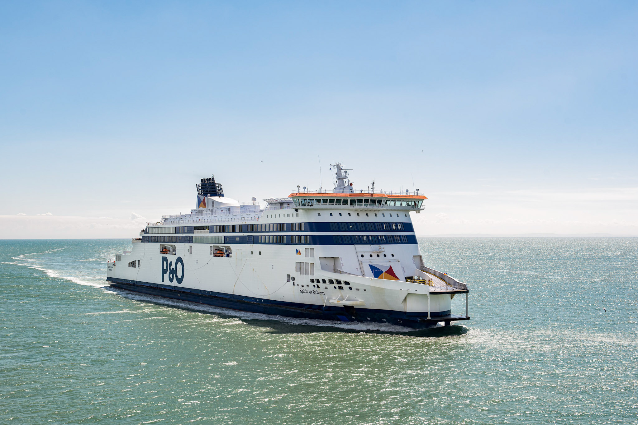 P&O and DFDS agree to share space on Dover-Calais route