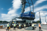 Liebherr delivers LHM 420 to Port of Hamburg