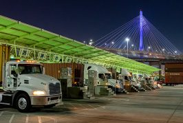 Ports of Long Beach and Los Angeles extend night and weekend hours