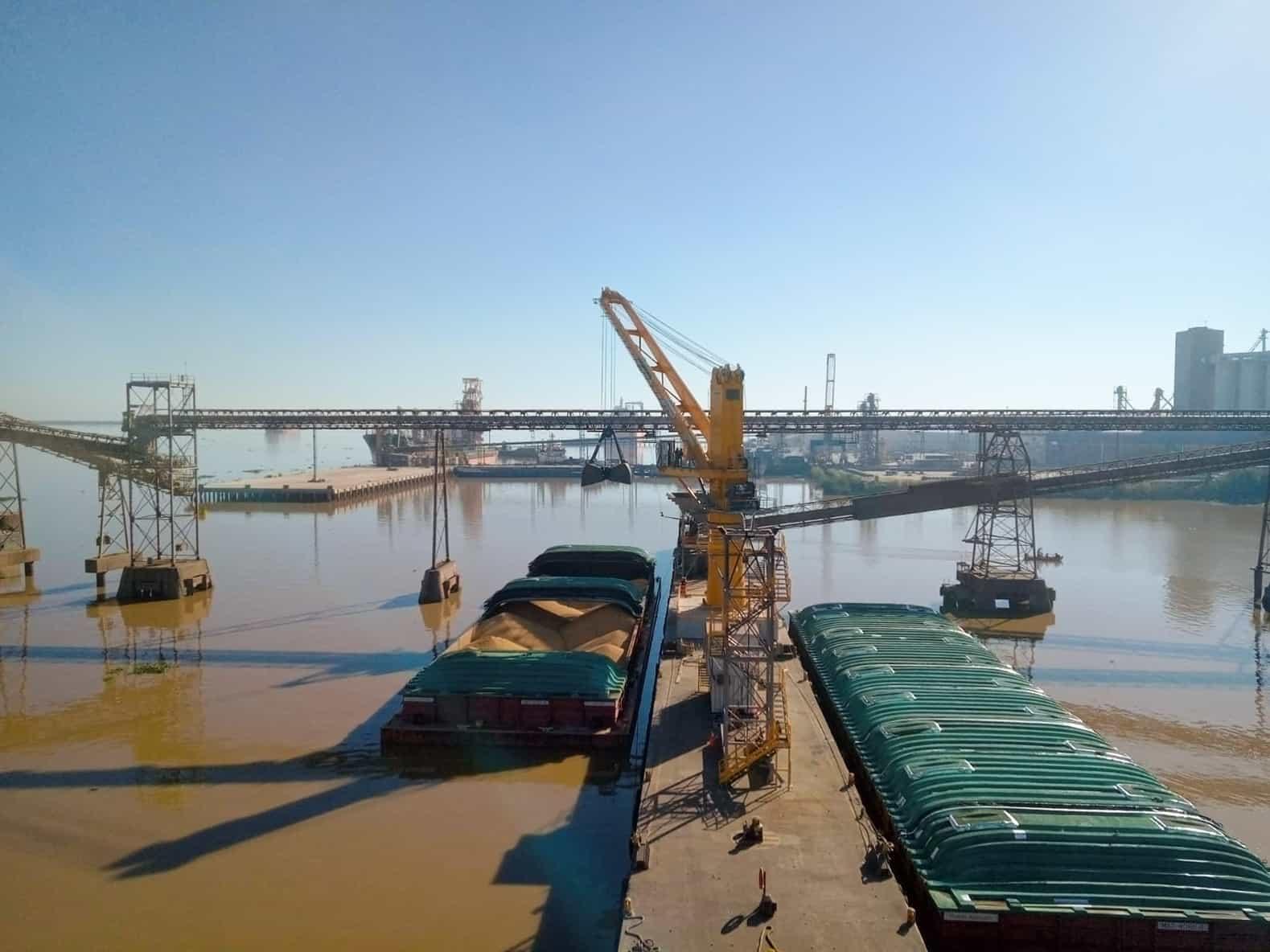 Corporación Navios replaces harbour crane with new Liebherr model